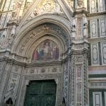 Fachada da catedral.