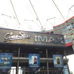 Sony Center, cine - imax - restaurants - conjuntamente con una arquitectura muy moderna - vale l