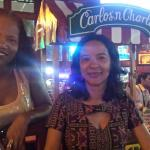 Thais, Valeria e Silvana Restaurante Carlos and  Charles