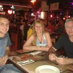 Elaine Esposo e Filho Jantando Carlos and Charles junto Luiggi!!!