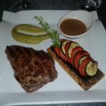 Pièce de viande + tarte provençale/purée de pois/fèves