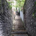 Ancien escalier a gauche du pied de l escalier de bueren