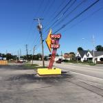 Mug & Bun sign - 10th Street