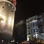 Fachada del hotel junto a Torre Gálata