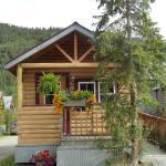 Klondike Kate's cozy cabin