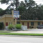 Vanguard Motel southbound