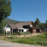 Twin Loakes Roadhouse Lodge