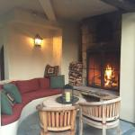 Real gas lamp, oak burning fireplaces, professionally made s'more, little sanctuary off Paso Rob