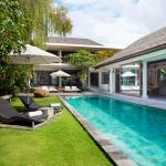 Villa Dewi Sri - Swimming Pool