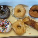 1/2 dozen donuts a & r bakery