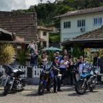 Algumas de nossas motocicletas na frente do restaurante.