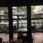 Restaurant has indoor & outdoor seating