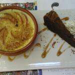 Le dessert : Flan à la pêche et moelleux au chocolat