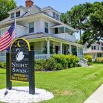 Foto de Night Swan Intracoastal Bed and Breakfast