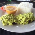 Smoked tuna on tea with guacamole DELICIOUS