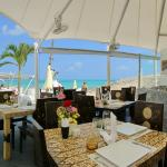 The Dinky Rock, Lounge Beach Club & Spa Hotel