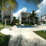 Casita Blanca Pool