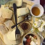 Tagliere di formaggi. Delizioso!