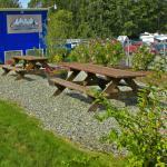 Guest Picnic Area & Garden
