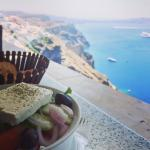 ensalada griega  con vistas espectaculares