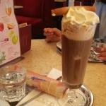 生クリームたっぷりアイスコーヒー