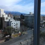 Una vista desde la habitación hacia la calle Emilio Civit