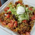 Bbq sriracho nachos