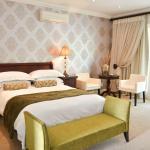 Room #4 - Luxury room