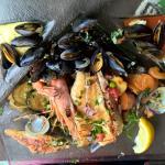 Parilla de mer (saumon, merlu, moules, palourdes, crevettes)