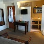 Zimmer mit offenem Bad