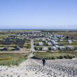 Uitzicht op camping vanaf de duinen
