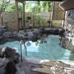 広い方の露天風呂
