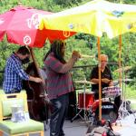 The Jeff Lofton band performs during brunch