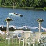 lake side wedding