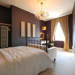 Suite (Rm 9) Bedroom