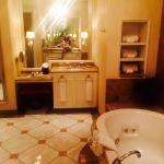 Interior - Harrah's Hotel New Orleans Photo