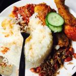 The food is nice and the price is reasonable.. In my opinion it is better than nelayan restauran