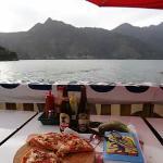 Pizza nick's special y 2 cervezas por Q71.