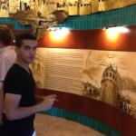 L'histoire de la Tour Galata bien affichée comme une fresque sur un mur.