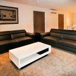 Photo de Peak Apartments: Apartments on Upton