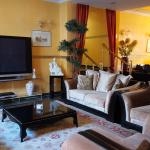 Lounge med stor TV