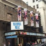 Photo de Mamma Mia! on Broadway
