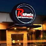 Raphael's Cafe Sports Bar Grillの写真