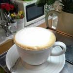 เป็นร้านกาแฟเล็กๆ ที่มีไอเดียตกแต่งด้วยงาน Handmade  ได้น่ารักลงตัวมากๆ กาแฟก็อร่อย ค่ะ