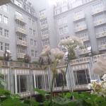 Fantástico hotel donde se alojó Obama en su estancia en Bruselas. Habitaciones súper amplias, ba
