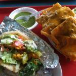 Puffy piccadillo taco & 1/4 order pile high nachos