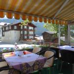 I tavoli all'aperto sulla Furkastrasse