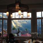 Abendessen mit Blick auf die Berge