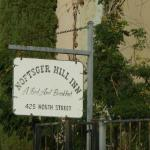 Noftsger Hill Inn
