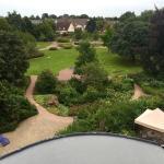Ausblick in den Garten und Park